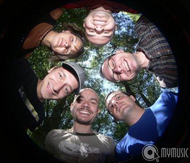http://www.mymusic.hu/image/galery/2667/.435x330/20925.jpg